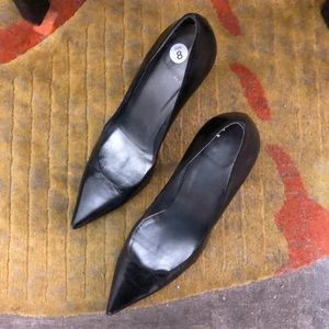 STUART WEITZMAN Black Pointy Heels Size 8